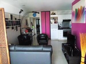 Apartamento En Venta En Caracas - La Florida Código FLEX: 15-10220 No.2