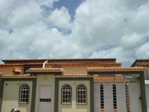 Townhouse En Venta En El Tigre, Centro, Venezuela, VE RAH: 15-10301