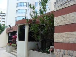 Apartamento En Venta En Valencia, Prebo I, Venezuela, VE RAH: 15-10327
