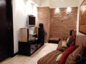 Apartamento En Venta En Caracas - Las Mercedes Código FLEX: 15-11311 No.2