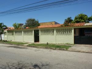 Casa En Venta En Margarita, Playa El Angel, Venezuela, VE RAH: 15-10484