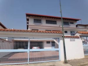 Casa En Venta En Caracas, La Tahona, Venezuela, VE RAH: 15-10433