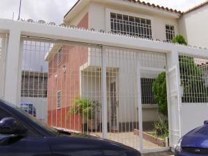 Townhouse En Venta En Guatire, Country Club Buena Ventura, Venezuela, VE RAH: 15-10466