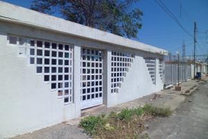Casa En Venta En Punto Fijo, Los Caciques, Venezuela, VE RAH: 15-10497