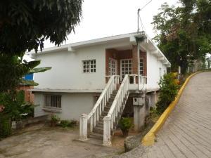 Casa En Venta En Los Teques, Municipio Guaicaipuro, Venezuela, VE RAH: 15-10740