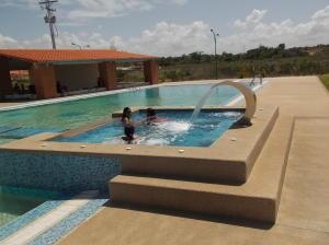 Apartamento En Venta En Higuerote, Higuerote, Venezuela, VE RAH: 15-10977