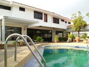 Casa En Alquiler En Maracaibo, Tierra Negra, Venezuela, VE RAH: 15-10720