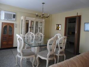 Apartamento En Venta En Maracaibo, Dr Portillo, Venezuela, VE RAH: 15-10837