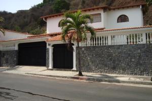 Casa En Alquiler En Caracas, El Cafetal, Venezuela, VE RAH: 15-10865