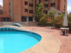 Apartamento En Venta En Maracaibo, El Milagro, Venezuela, VE RAH: 15-10967