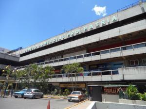 Local Comercial En Venta En Caracas, Propatria, Venezuela, VE RAH: 14-3657