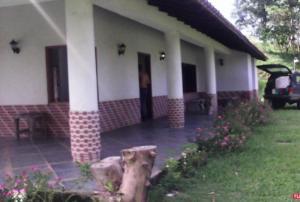 Casa En Ventaen Caucagua, Av General Miguel Acevedo, Venezuela, VE RAH: 15-11012