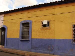 Casa En Venta En Valencia, Santa Rosa, Venezuela, VE RAH: 15-11020