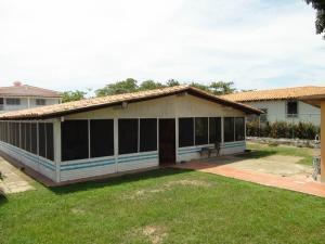 Casa En Venta En Rio Chico, Las Mercedes De Paparo, Venezuela, VE RAH: 15-11028