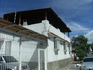 Casa En Venta En Caracas, Montalban I, Venezuela, VE RAH: 15-11044