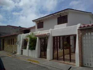 Townhouse En Venta En Guatire, El Castillejo, Venezuela, VE RAH: 15-11058