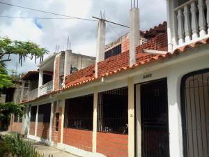 Townhouse En Venta En Guatire, El Ingenio, Venezuela, VE RAH: 15-11062