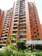 Apartamento En Venta En Caracas, Prado Humboldt, Venezuela, VE RAH: 15-11070