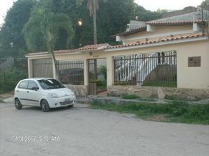 Casa En Venta En Barquisimeto, Colinas De Santa Rosa, Venezuela, VE RAH: 15-11138
