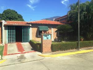 Casa En Venta En Guatire, El Castillejo, Venezuela, VE RAH: 15-11150