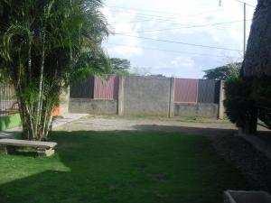 Terreno En Venta En Camatagua, Carretera Caracas-Barbacoa, Venezuela, VE RAH: 15-11180