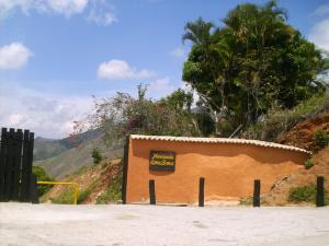 Terreno En Venta En La Victoria, Hacienda Loma Brisa, Venezuela, VE RAH: 15-11202