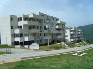 Apartamento En Venta En Caracas, Bosques De La Lagunita, Venezuela, VE RAH: 15-11218