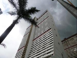 Apartamento En Venta En Caracas, Parque Central, Venezuela, VE RAH: 15-11340