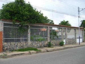 Casa En Venta En Palo Negro, 10 De Diciembre, Venezuela, VE RAH: 15-11310