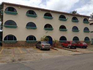Apartamento En Venta En Municipio Antolin Del Campo Paraguachi, La Fuente, Venezuela, VE RAH: 15-11349