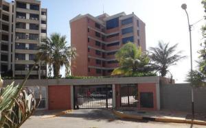 Apartamento En Ventaen Catia La Mar, Playa Grande, Venezuela, VE RAH: 15-11662