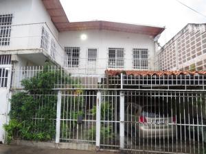 Casa En Venta En Maracay, La Coromoto, Venezuela, VE RAH: 15-11403