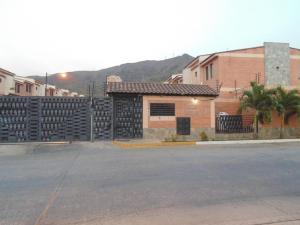 Townhouse En Venta En Municipio Naguanagua, El Rincon, Venezuela, VE RAH: 15-11461