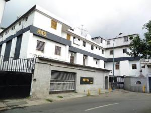Edificio En Venta En Caracas, Coche, Venezuela, VE RAH: 15-11700