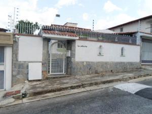 Casa En Venta En Caracas, Santa Paula, Venezuela, VE RAH: 15-11736