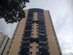 Apartamento En Venta En Valencia, Valles De Camoruco, Venezuela, VE RAH: 15-11818