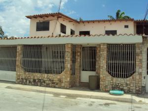 Casa En Venta En Turmero, Villas Del Este, Venezuela, VE RAH: 15-11829