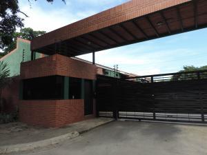 Townhouse En Venta En Municipio San Diego, La Cumaca, Venezuela, VE RAH: 15-11894