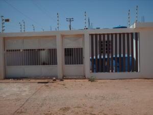 Casa En Venta En Punto Fijo, Los Taques, Venezuela, VE RAH: 15-11899