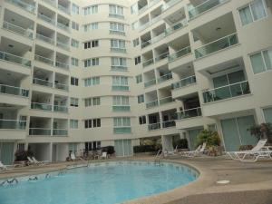 Apartamento En Ventaen Tucacas, Tucacas, Venezuela, VE RAH: 15-11903