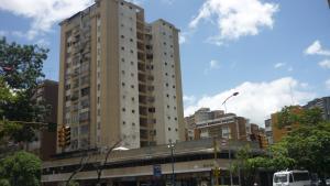 Local Comercial En Venta En Caracas, La Urbina, Venezuela, VE RAH: 15-11956