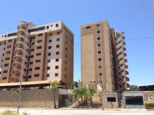 Apartamento En Venta En Margarita, Playa El Angel, Venezuela, VE RAH: 15-10296