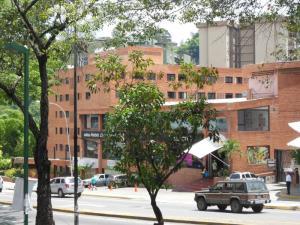 Apartamento En Alquiler En Caracas, La Boyera, Venezuela, VE RAH: 15-12846