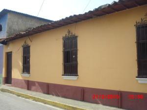 Terreno En Venta En Caracas, Petare, Venezuela, VE RAH: 15-12004
