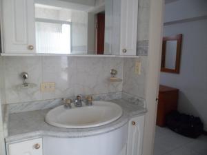 Apartamento En Venta En Caracas - Terrazas del Club Hipico Código FLEX: 15-12039 No.12