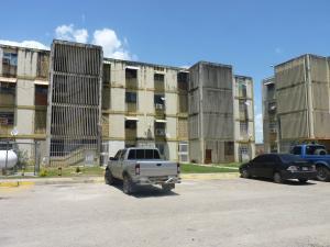 Apartamento En Venta En Palo Negro, Los Naranjos, Venezuela, VE RAH: 15-12061