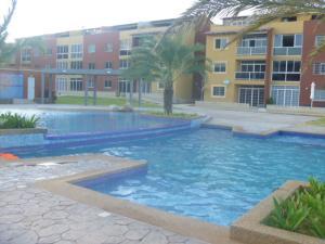 Apartamento En Venta En Margarita, Sector San Lorenzo, Venezuela, VE RAH: 15-12065
