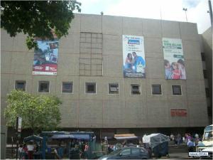 Local Comercial En Venta En Caracas, El Valle, Venezuela, VE RAH: 15-12167