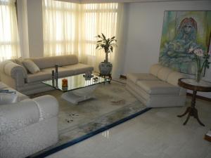 Apartamento En Venta En Maracaibo, Tierra Negra, Venezuela, VE RAH: 15-12193