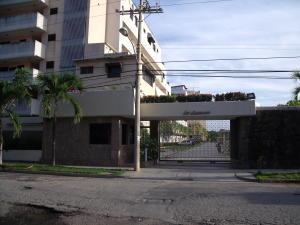 Apartamento En Ventaen Higuerote, Higuerote, Venezuela, VE RAH: 15-12236